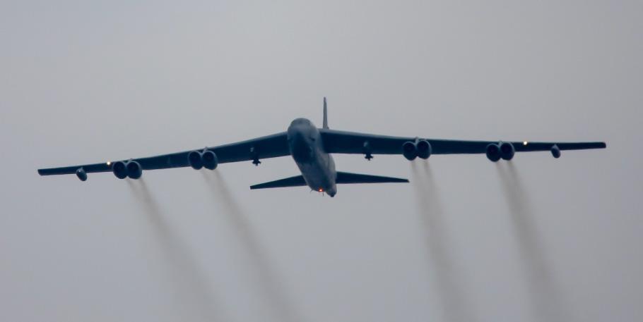 antrenament-comun-al-fortelor-aeriene-romane-cu-2-bombardiere-strategice
