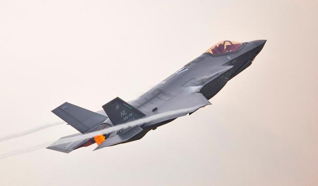 F-35 versus S400